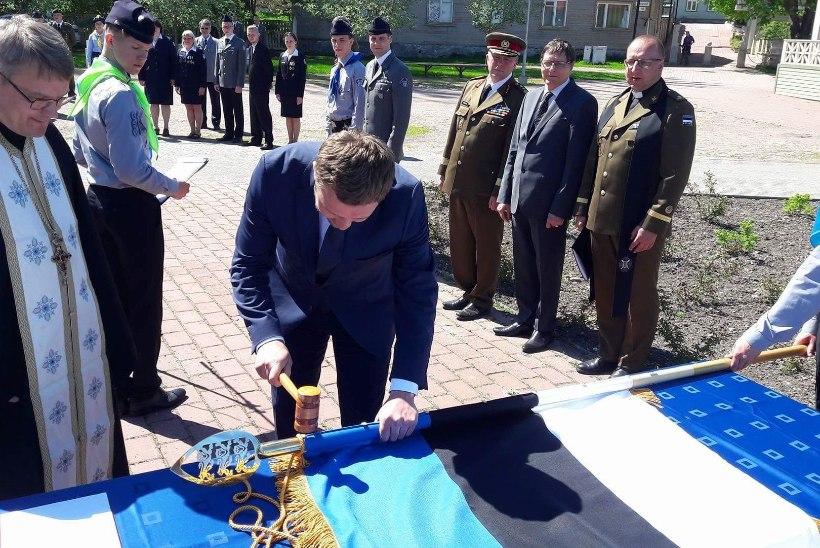 Kaitseminister Margus Tsahkna sai eriteenete eest medali