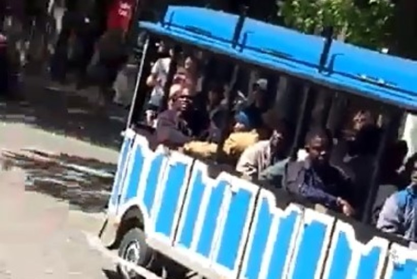VIDEOD | Rassistlikud stseenid filmivõtetel tekitasid paanikat Tallinna vanalinnas