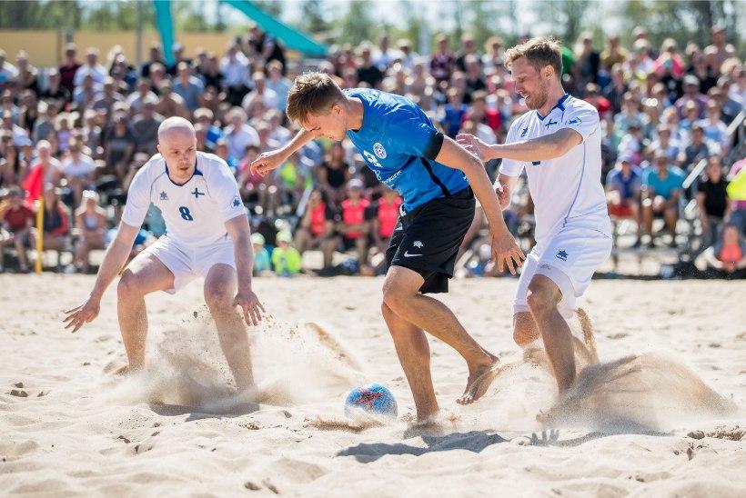 GALERII   Jahiga matšile saabunud rannajalgpallikoondis ristis uue koduareeni sisse raske võiduga Soome üle