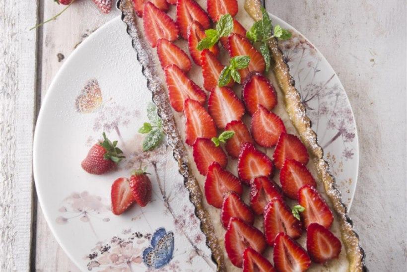 Maasika-rabarberipirukas ricottaga