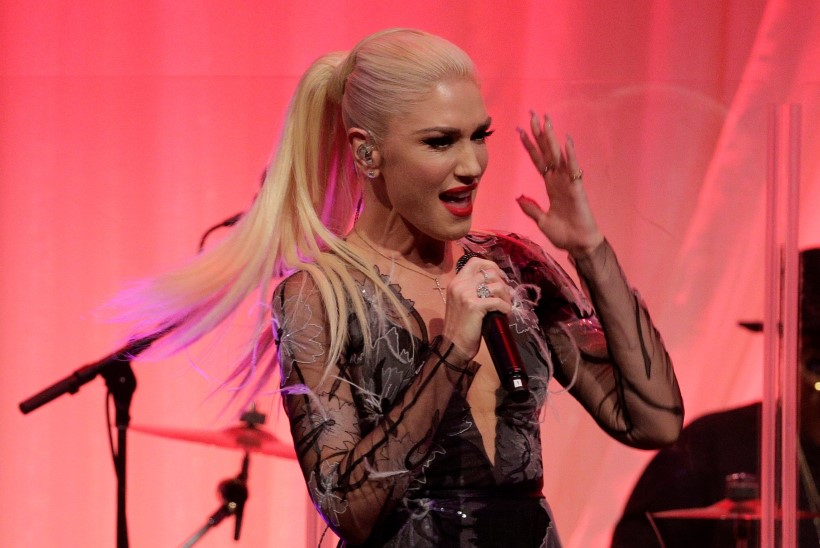 VALUS: Gwen Stefanil purunes lennusõidul kuulmekile