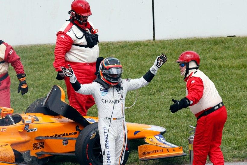 Indy500 katkestanud, ent parima uustulnuka tiitli saanud Fernando Alonso teenis kopsaka summa