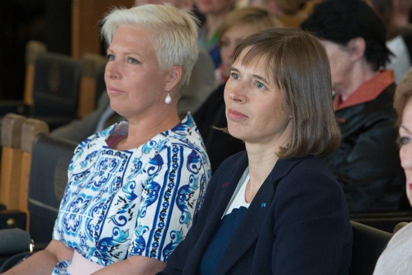 GALERII   Tallinna Lastehaigla Toetusfondi patroon Evelin Ilves andis sponsoritele üle tänukirjad