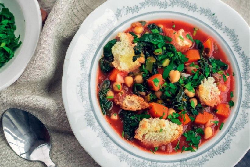 Itaaliapärane supp kikerherneste ja aiarohelisega