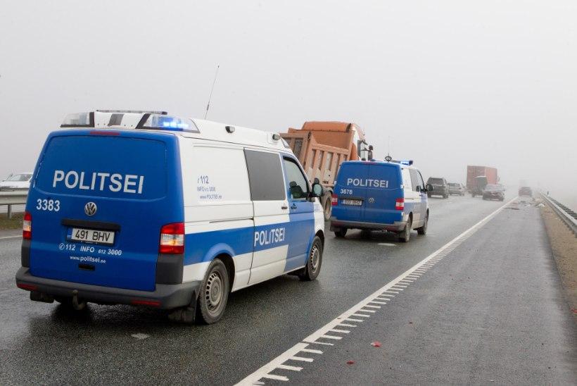 Ida-Virumaal juhtus kolme sõiduki kokkupõrge