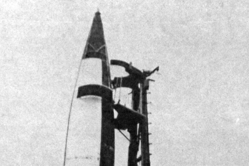 Natside salarelvad: kas Hitleri käsutuses oli tuumapomm? Või lendavad taldrikud?