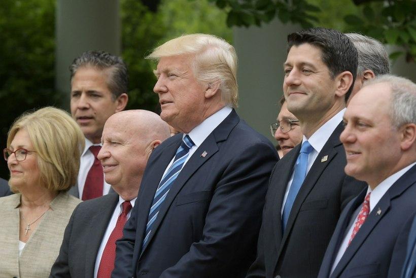 Obamacare on surnud? Veel mitte.