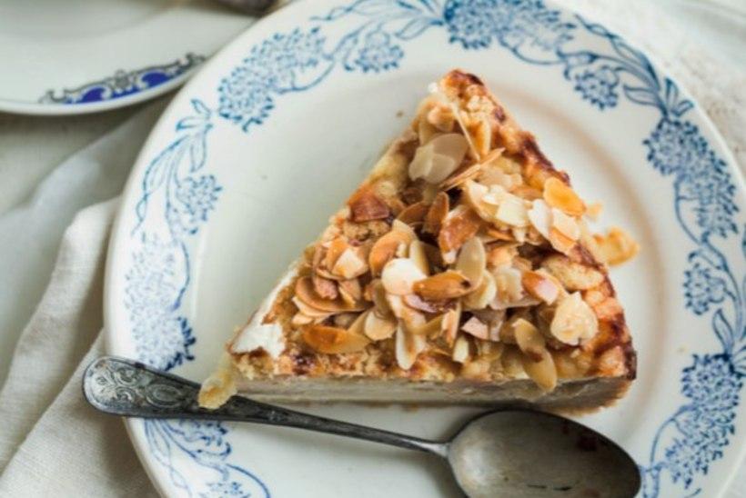 RETSEPT | Mandlikattega õuna-kohupiima-purukook