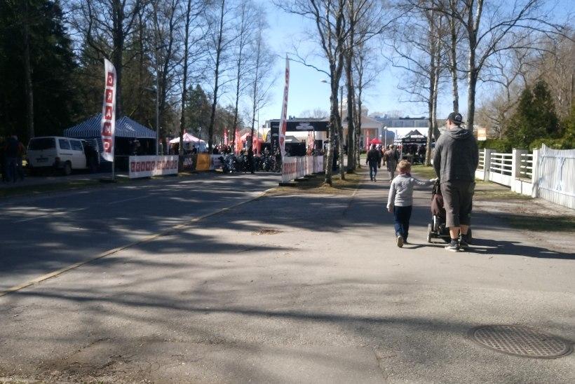 GALERII | Pärnus algavad mootorrattahooaja avaüritused