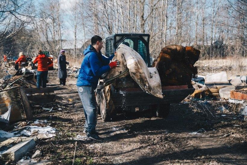 TEISTMOODI TALGUPÄEV: tuukrid tõid Snelli tiigist välja üle 30 prügikasti