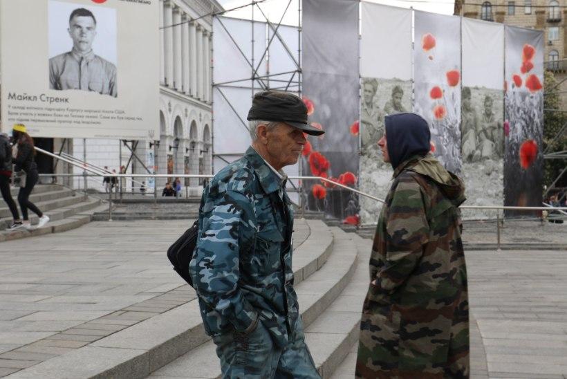 GALERII | Kiievi Iseseisvuse väljaku ümbruses segunevad mälestusüritused ja Eurovision