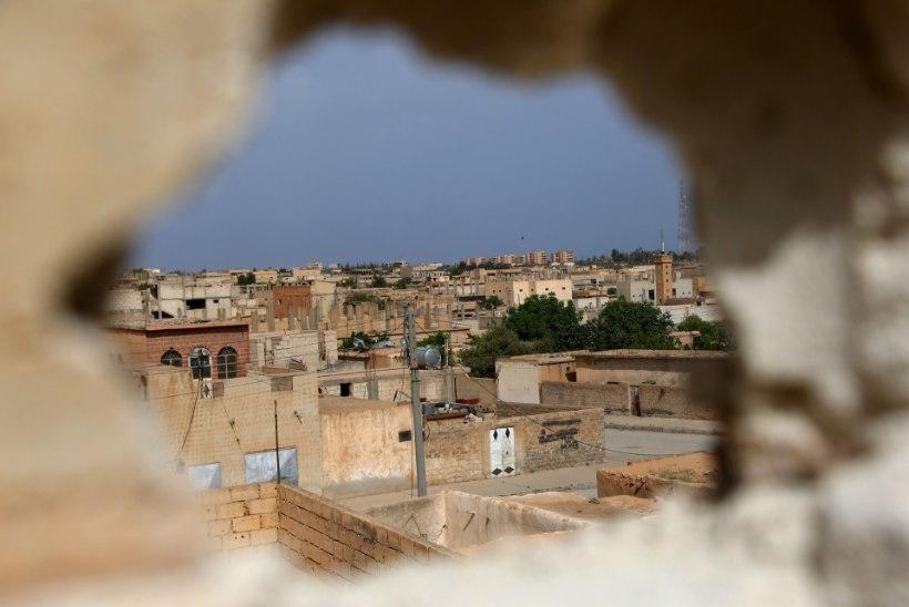 USA varustab kurde relvadega, et vallutada Islamiriigilt Raqqa