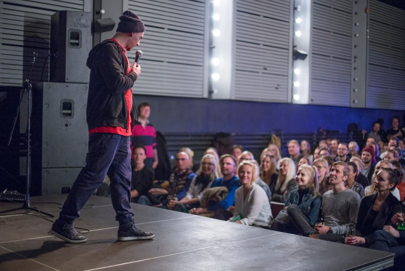 """""""Publik naerab kõige rohkem, kui koomik teeb enda üle nalja."""""""