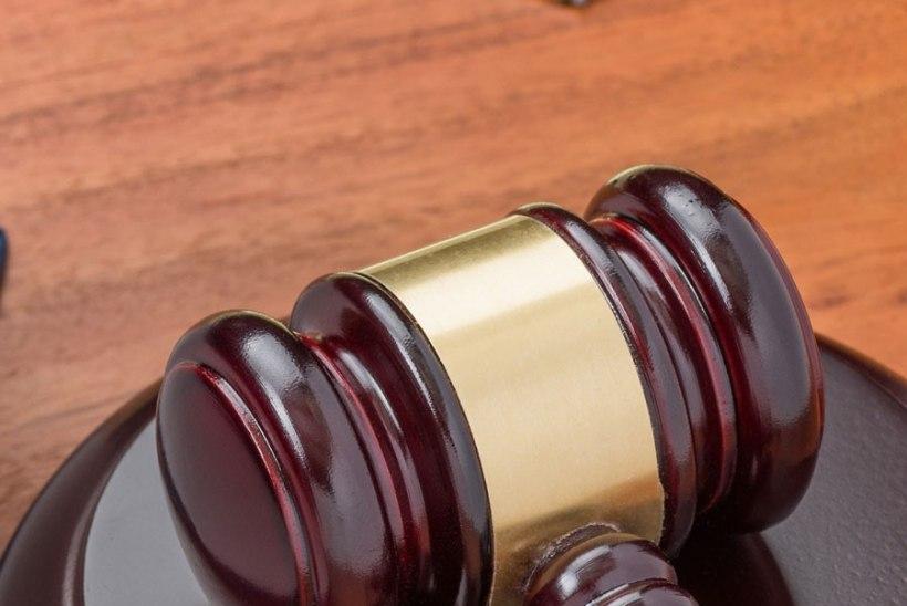 Kohus mõistis alaealistelt seksi ostnud ja neid kupeldanud mehe aastateks vangi