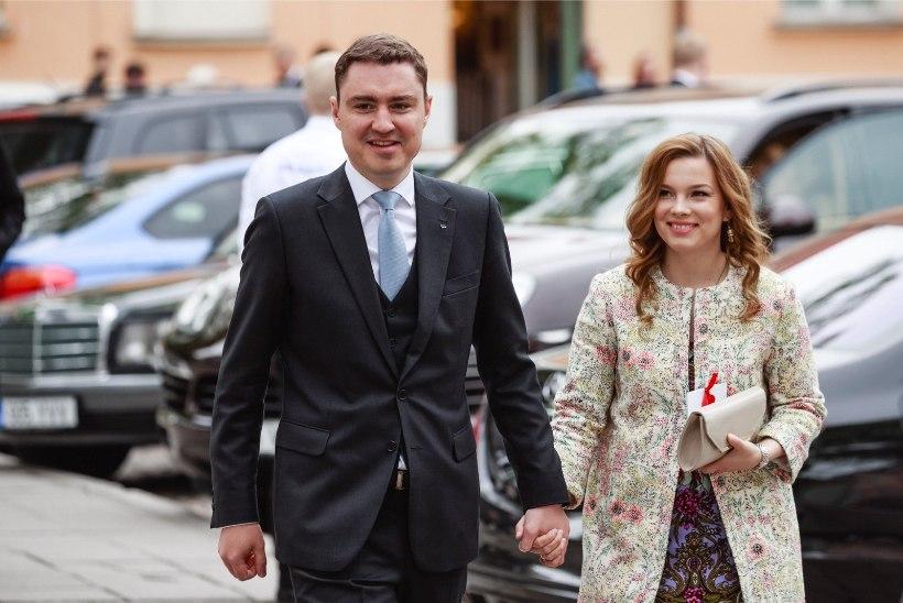AITA HÄDAST VÄLJA: Taavi Rõivas ja Luisa Värk otsivad endiselt oma kodule uut omanikku