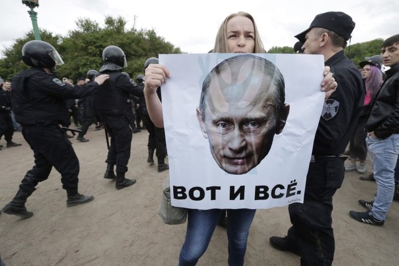 Opositsiooniliider Navalnõile mõisteti 30-päevane haldusarest