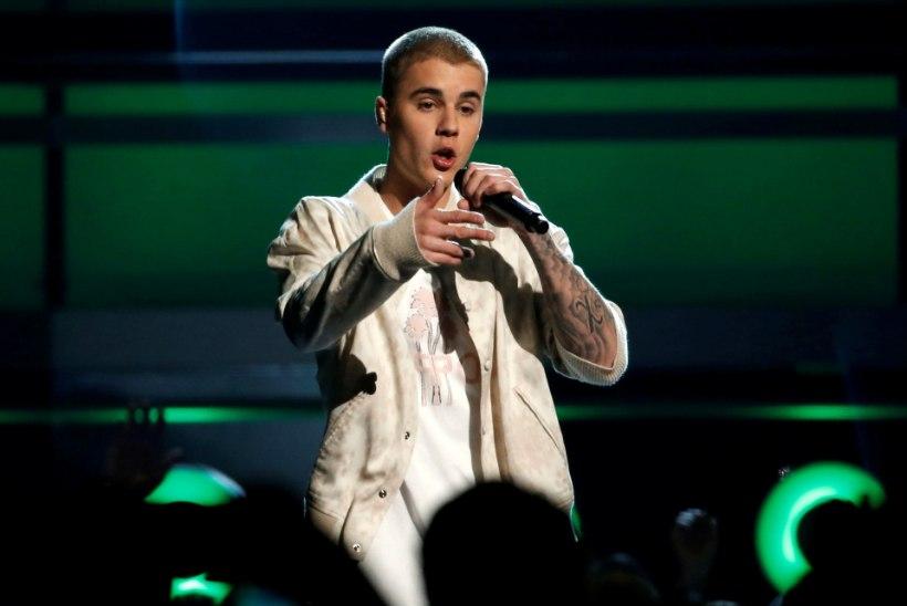 Justin Bieber ei tea oma superhiti sõnu