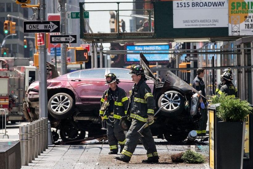 New Yorgis paiskus auto rahva sekka
