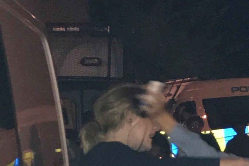Adele käis suurpõlengu sündmuskohal inimesi trööstimas