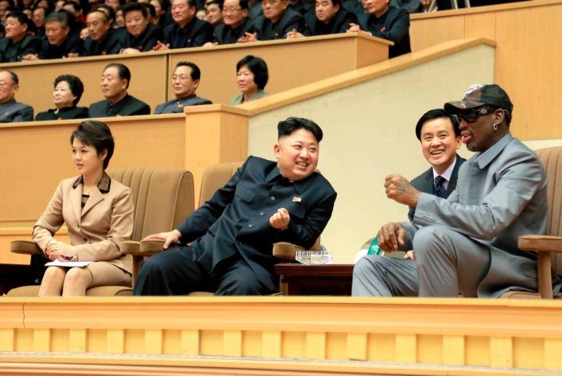 Mida põnevat kinkis Dennis Rodman Põhja-Korea diktaatorile?