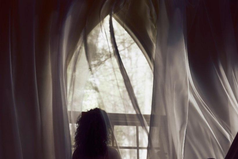 PALK NAGU MINISTRIL! Šotimaal otsitakse kummitusmajja lapsehoidjat
