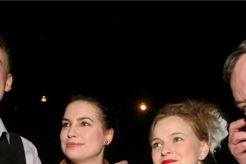 FOTOUUDIS | Hanna-Liina Võsa ja Liisi Koikson jagasid imearmsat beebipilti!
