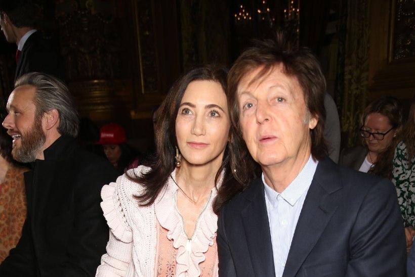 Juubilar Paul McCartney armastatud naisi ühendab võitlus raskete tervisehoopidega