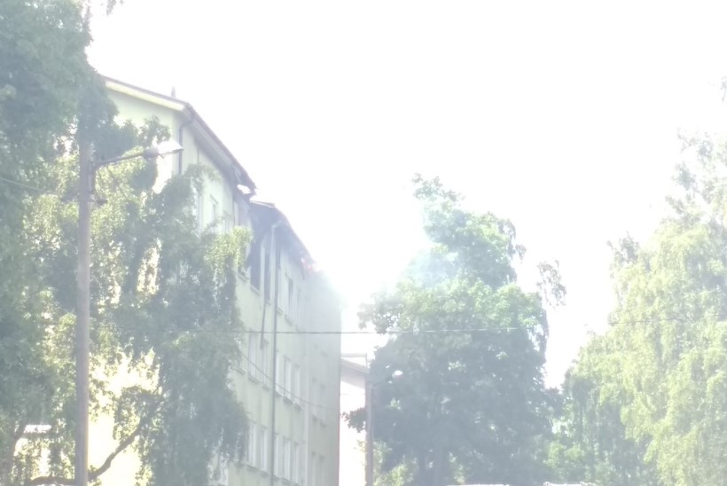 FOTOD JA VIDEO | Pelgulinnas plahvatas korter