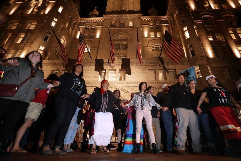 """Siuu ameeriklased tähistavad """"võitu ja õiglust"""", kuid Dakota Accessi naftajuhe jääb töösse"""