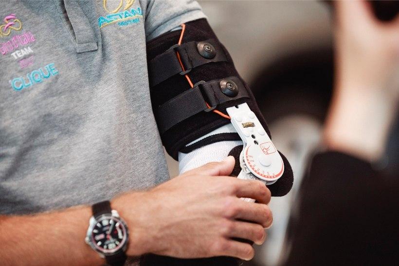 Tanel Kangert rängast kukkumisest Giro d'Italial: põetajad hoidsid videot nähes kahe käega peast kinni