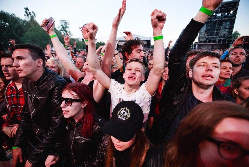 MEELEOLUKAS GALERII | KOLM TUNDI MÖLLU: väsimatu Foo Fighters pani Riias publiku vastupidavuse proovile