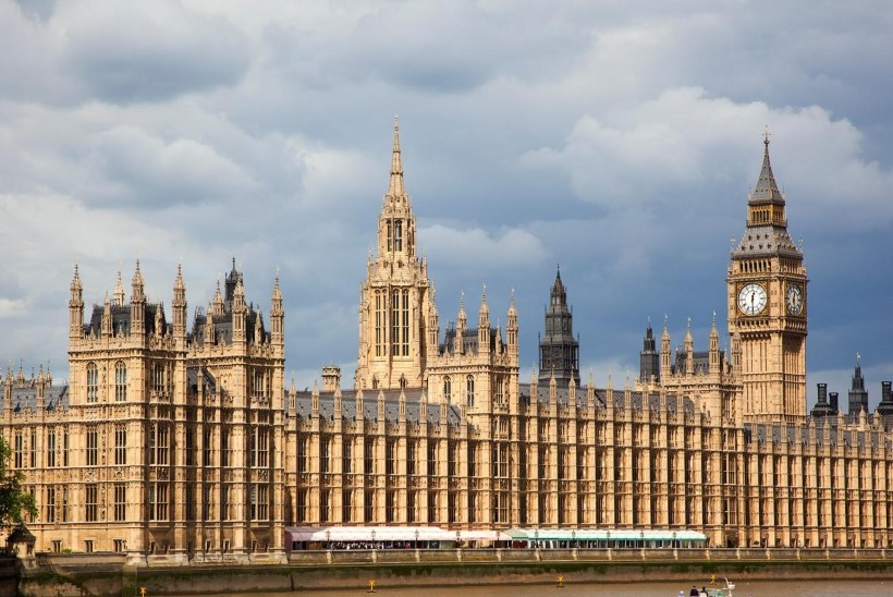 Küberrünnak: pihta pandi Briti parlamendiliikmete paroolid