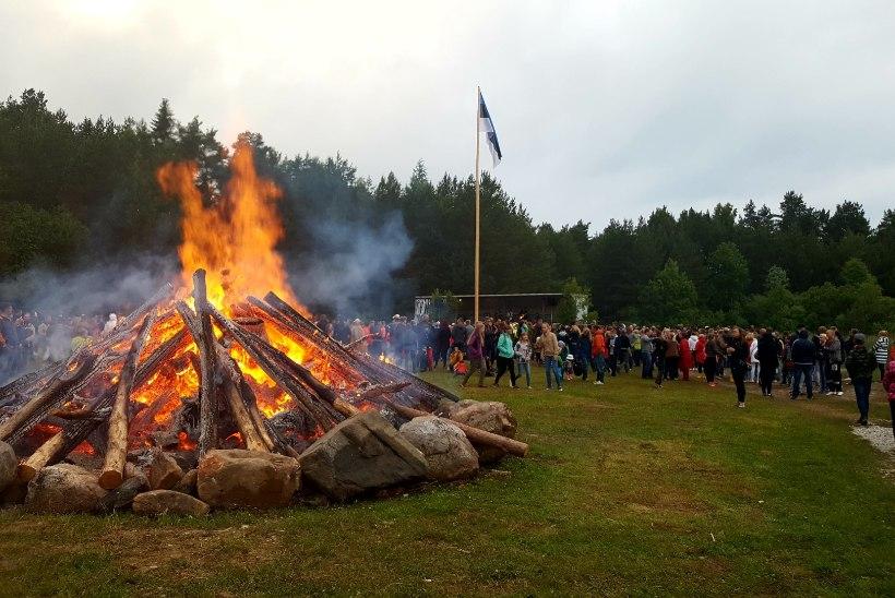 Kuidas näeb välja õige jaanituli Saaremaa moodi?