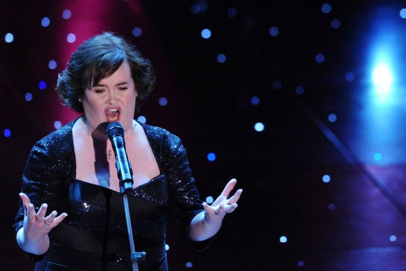 Talendisaate võitjat Susan Boyle`i loobitakse kodulinnas kividega