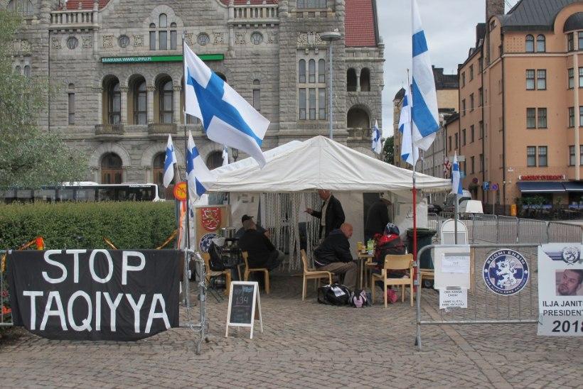 Soome politsei ajas rahvuslaste telklaagri Helsingis jõuga laiali