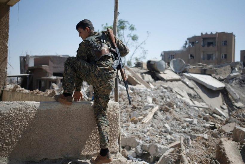 VIDEO | Napp pääsemine: kurdi naissnaiper pääseb üle noatera surmasuust