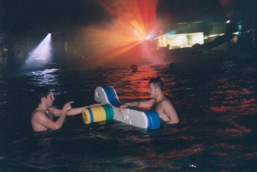 GALERII | Kalev Spas peeti ilma veeta basseinipidu!