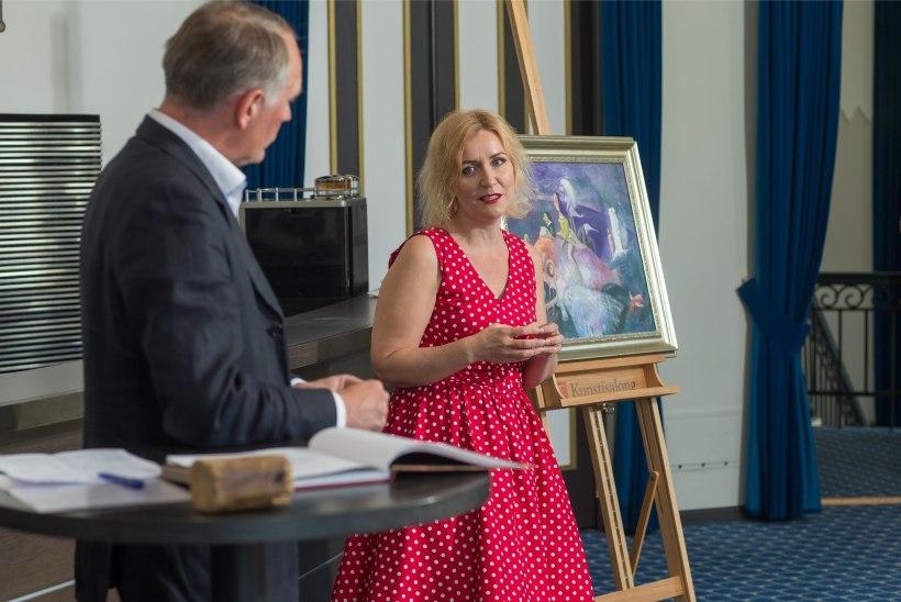 GALERII | Evelin Kivimaa esitles Tartus Edgar Valteri maalidest inspireeritud raamatut
