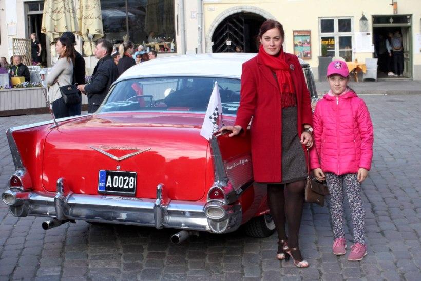 FOTOD JA VIDEO | Tallinna Vanalinna Päevade raames näidati rahvale Eesti vanimat autot