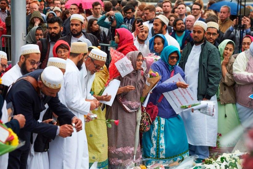 Briti imaamid keeldusid terroristide pärast traditsioonilisest leinapalvest