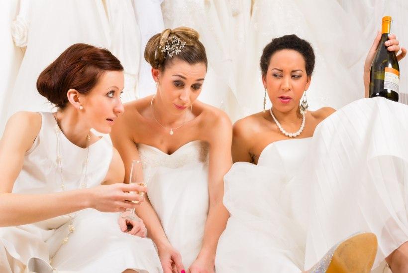 Lõbusad lood kõige piinlikumatest pulmakülalisest
