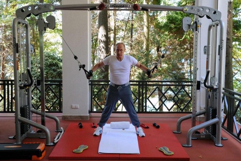 Stone küsis Putinilt, kas ta läheks allveelaevas koos geiga duši alla?