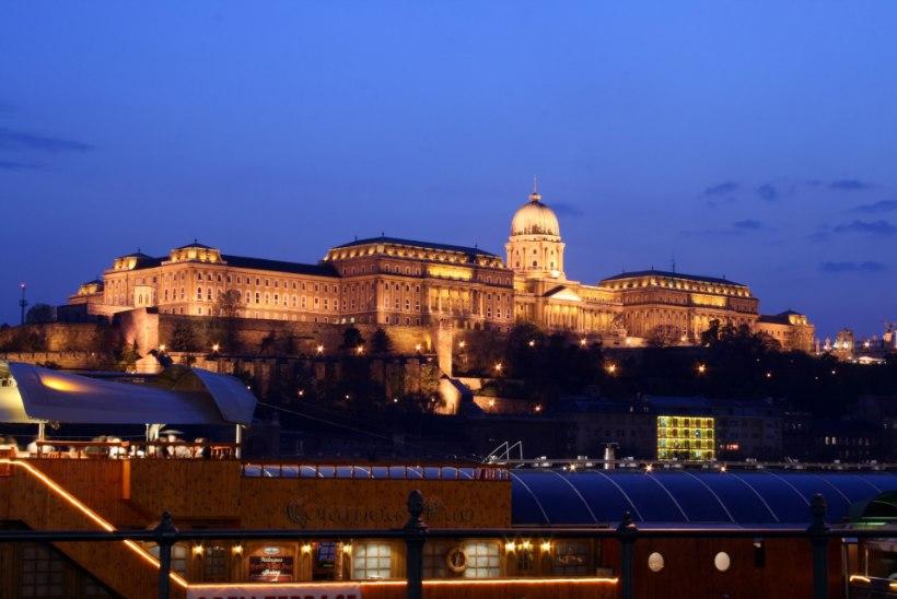 SAAGE TUTTAVAKS: salajane haigla Budapesti südames