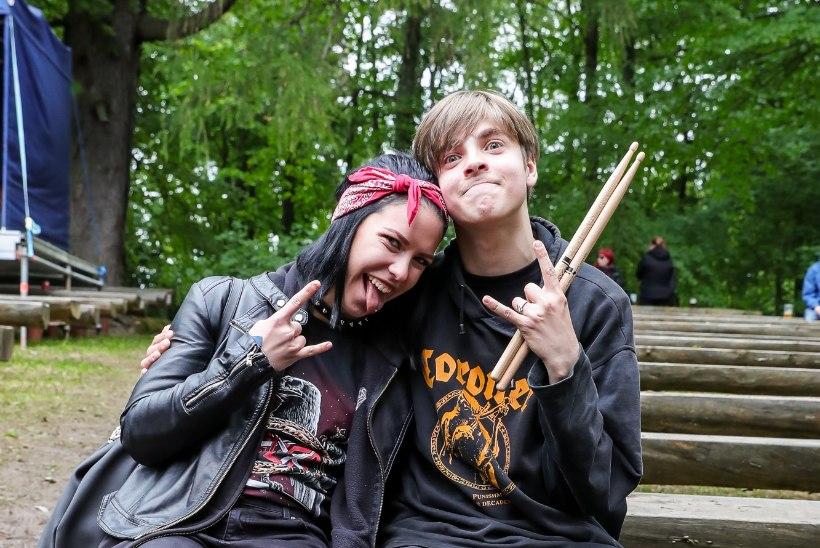 FOTOD! Staartrummar Marko Atso 16-aastane nägus poeg naudib piltilusa kallimaga festivali