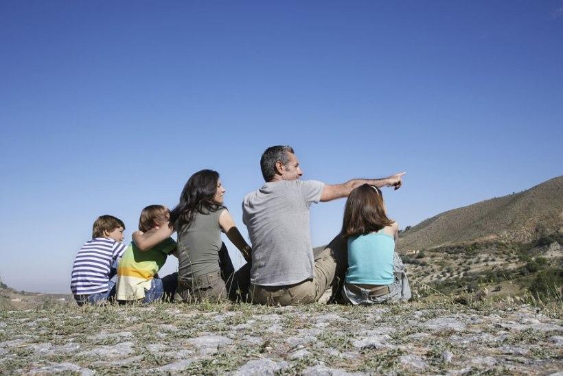 Lasterikka pere toetust saavad vanemad, kelle juures laps kasvab