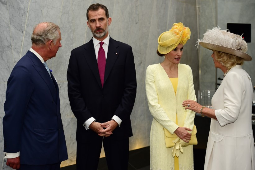 GALERII | Briti kuninganna võõrustab Hispaania kuningapaari