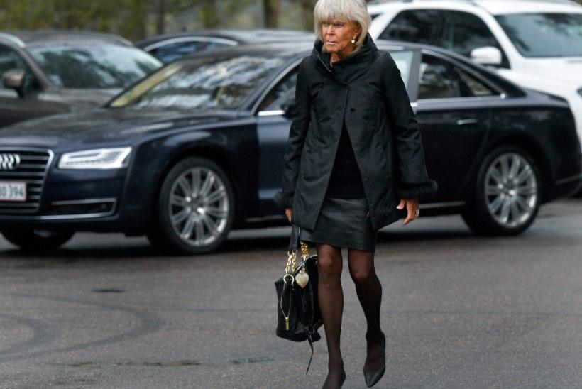 PÄEVITUNUD JA MINIKLEIDIS: 80aastane peoprintsess Birgitta jäi oma stiilile truuks