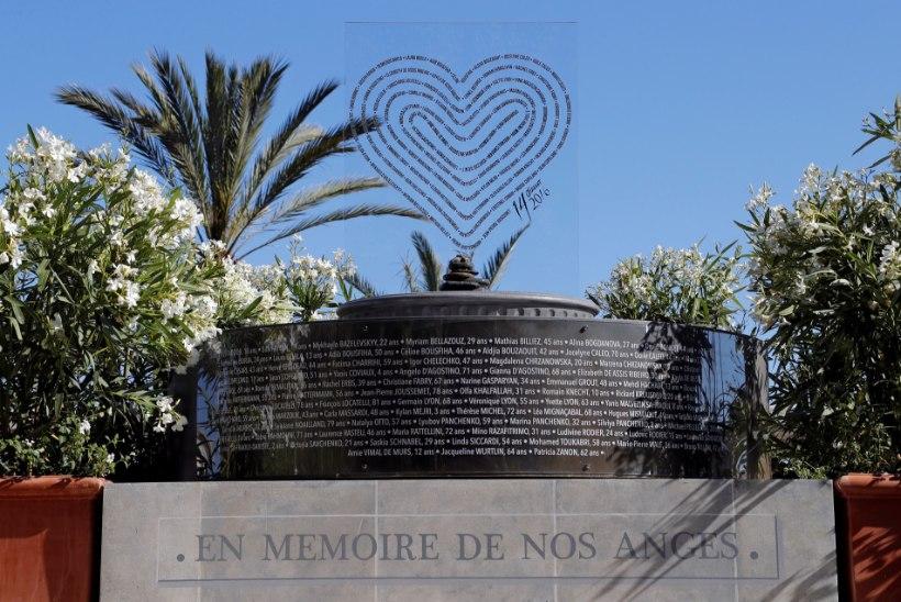 ÕHTULEHT NICE'IST | Täna aasta tagasi Nice terrorirünnakus hukkunutele püstitati mälestusmärk