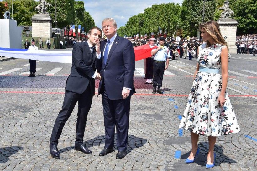 Trump ja Macron näitasid taas koomiliselt pikas käesurumises jõudu