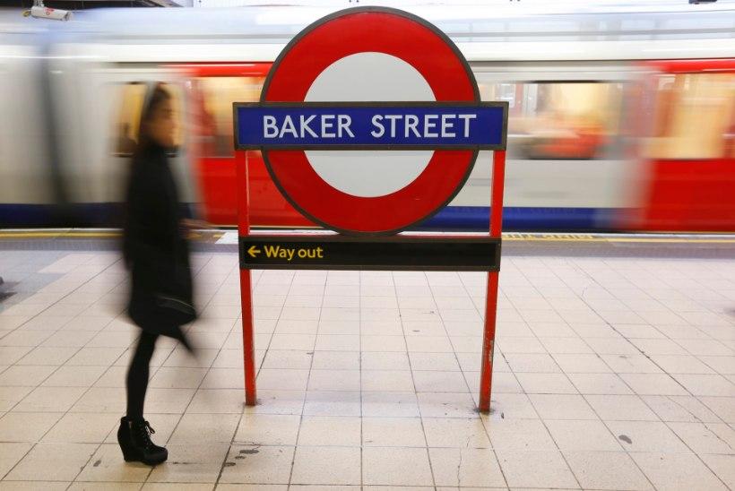 Vägivaldne mees üritas Londonis võõral naisel hijab'i peast ära kiskuda
